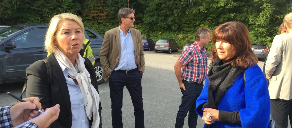 FFM og næringsminister hos Hellefoss Paper